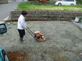コンクリート舗装工事。_f0105112_7532325.jpg