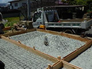 コンクリート舗装工事。_f0105112_7545189.jpg