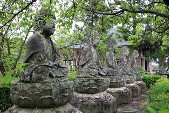蓮華寺の石仏_e0048413_18174047.jpg