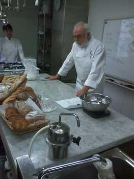 ビゴさんのフランスパン講座_f0200428_22201112.jpg