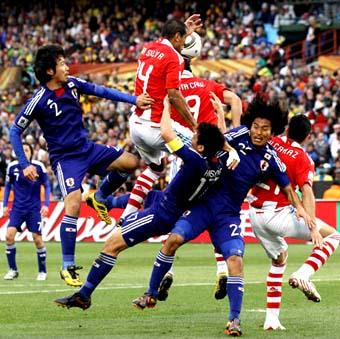 W杯 日本惜敗!!!_b0019903_19281929.jpg