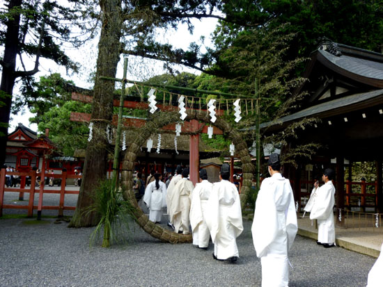 夏越(なごし)の大祓  吉田神社_e0048413_2141453.jpg