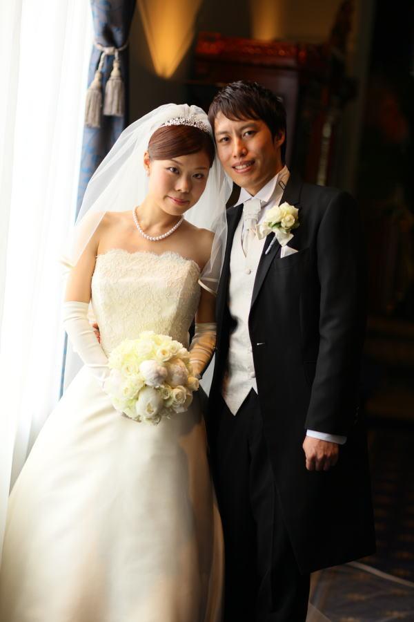 新郎新婦様からのメール ウェスティンホテル東京様へ 白の芍薬、紫のバラ_a0042928_21385354.jpg