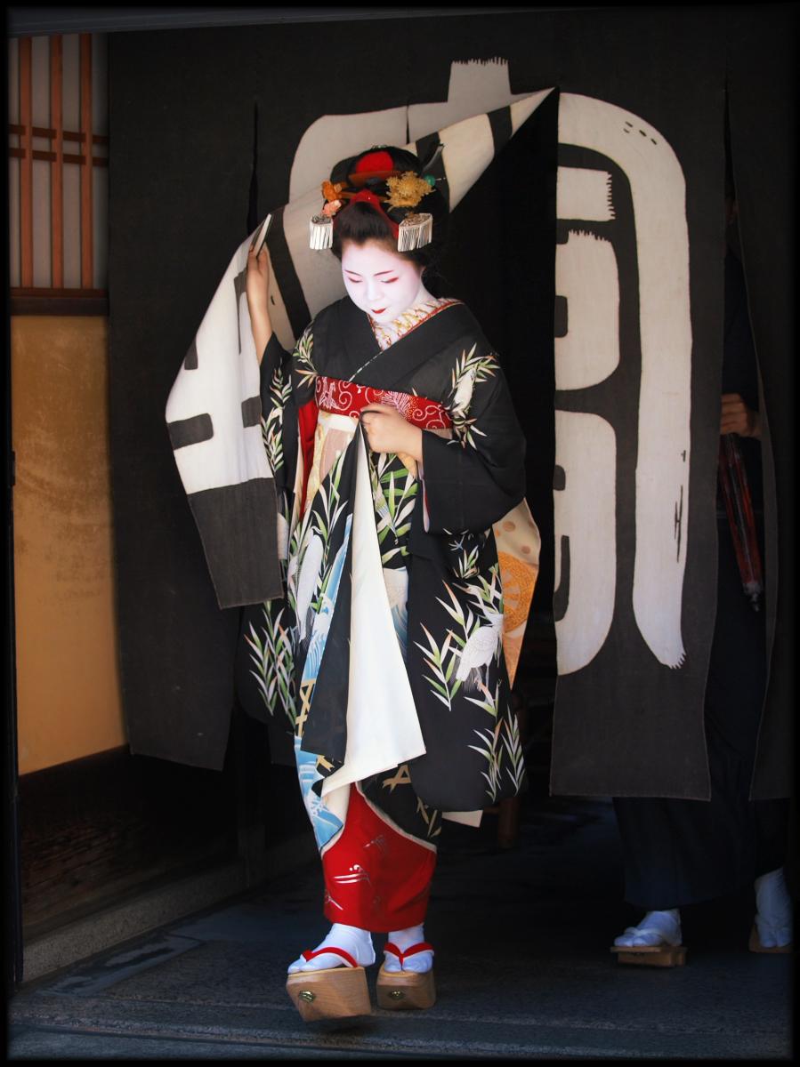 舞妓Haaaan!!! でぶゅーどすえ_f0021869_21565926.jpg