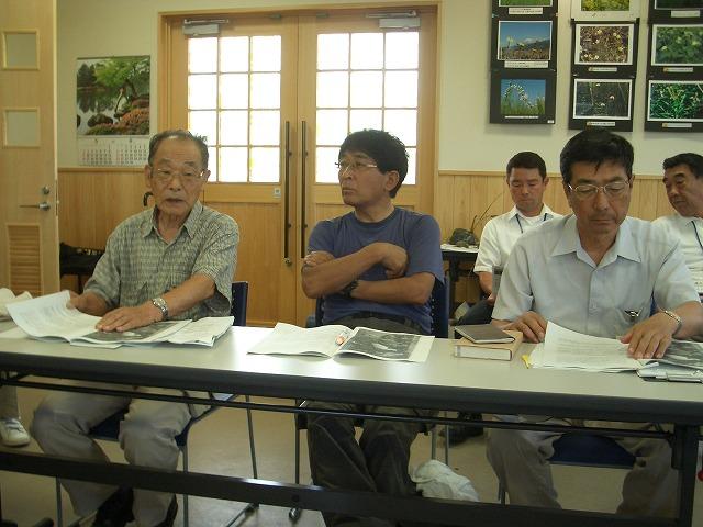 注目の「浮島ヶ原自然公園」を新人議員7名で視察!_f0141310_23305897.jpg
