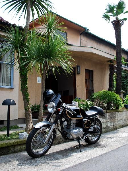 バイクでカフェ閑居へ_c0177814_013399.jpg