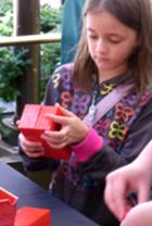夏のNYに現れた皆で作るレゴ・ブロックの巨大アート?_b0007805_1319077.jpg