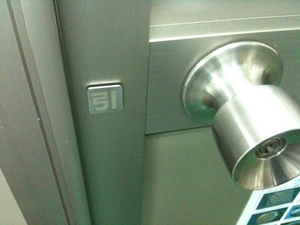 ドアのオスヒク_d0085634_1745865.jpg