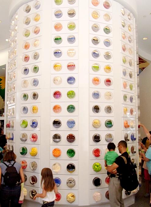 NYにオープンしたレゴ・ブロック専門店のPick a Brickコーナー_b0007805_11433049.jpg