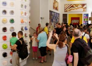 NYにオープンしたレゴ・ブロック専門店のPick a Brickコーナー_b0007805_11595439.jpg