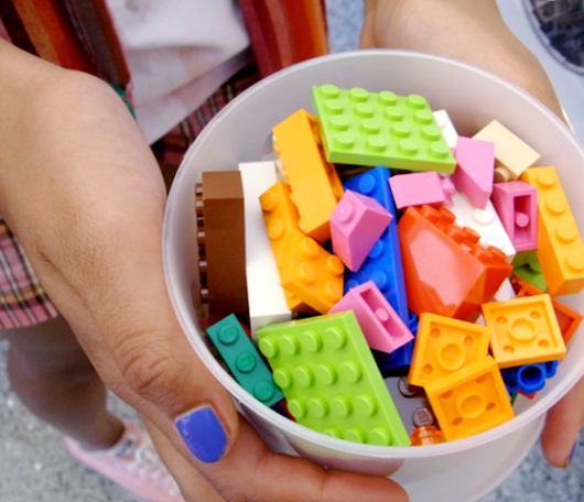 NYにオープンしたレゴ・ブロック専門店のPick a Brickコーナー_b0007805_918071.jpg