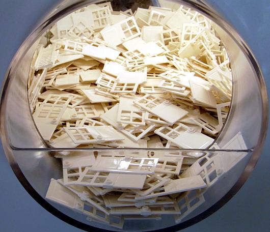 NYにオープンしたレゴ・ブロック専門店のPick a Brickコーナー_b0007805_9185783.jpg