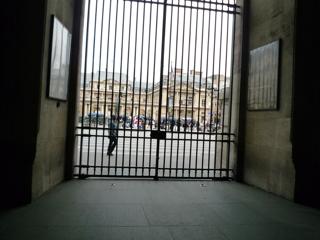 パリをブラモリ(3)_f0181924_14312910.jpg