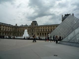 パリをブラモリ(3)_f0181924_14333227.jpg