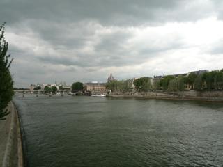 パリをブラモリ(3)_f0181924_15273975.jpg
