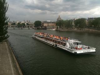 パリをブラモリ(3)_f0181924_15301223.jpg