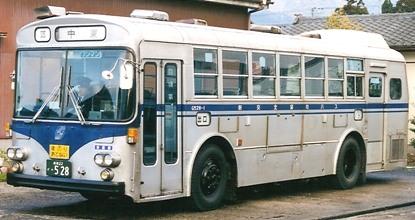 新交北貸切バス(新潟交通) いすゞK-CJM470 +北村 (冷房車)_e0030537_21235130.jpg
