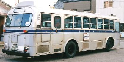 新交北貸切バス(新潟交通) いすゞK-CJM470 +北村 (冷房車)_e0030537_2124855.jpg
