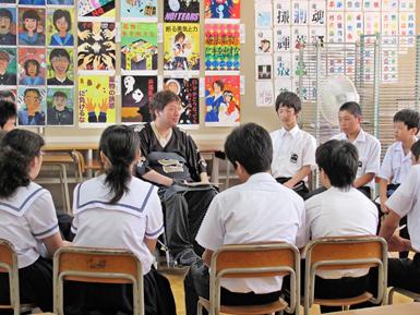 今年で最後になるかも?地域の中学の福祉体験授業_c0167961_727344.jpg