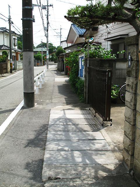 柴崎分水(立川分水)(2)昭和記念公園〜奥多摩街道まで_c0163001_054370.jpg