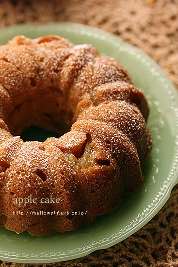 りんごのケーキ_d0124248_1028881.jpg