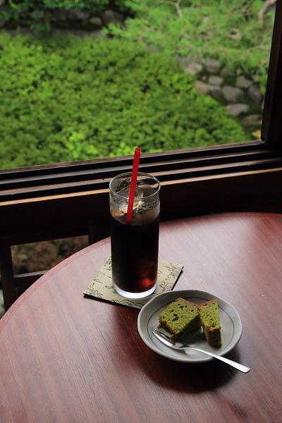 cafe 杏こ庵_e0051888_0375718.jpg