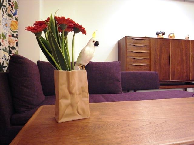 紙袋を花瓶に仕立てる_f0237712_1951161.jpg