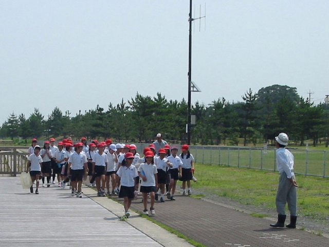 下荘小学校5年生学習サポート in せんなん里海公園_c0108460_17404828.jpg