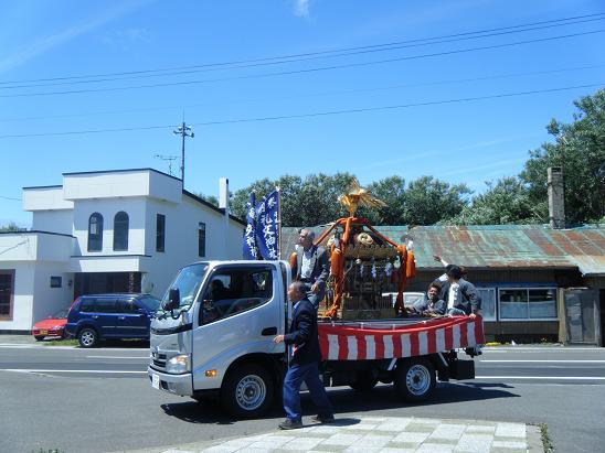 礼文神社のお祭り_e0120026_2333229.jpg