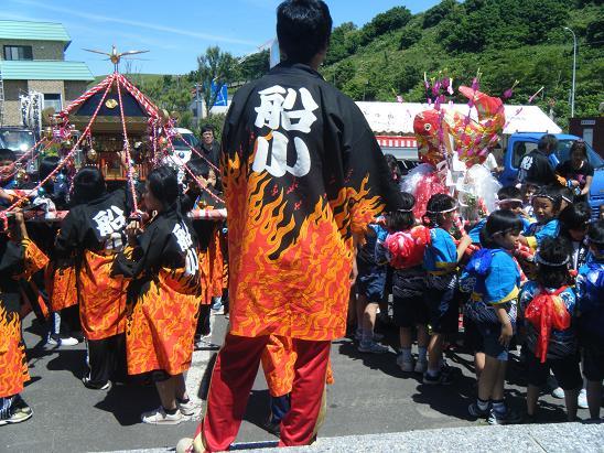 礼文神社のお祭り_e0120026_236192.jpg