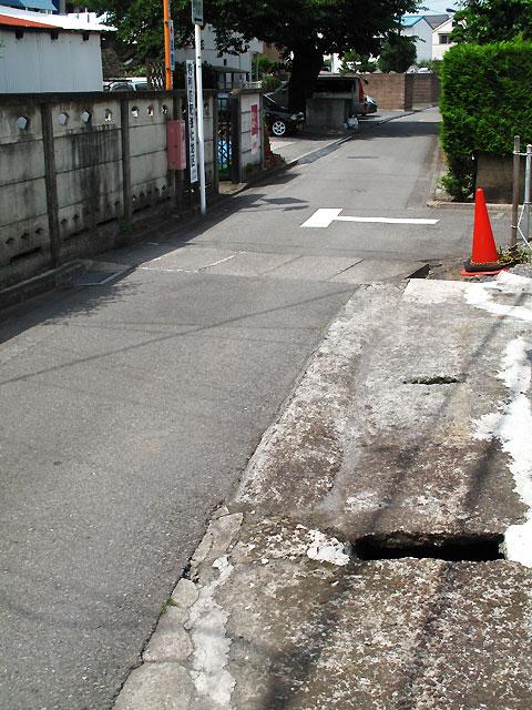 柴崎分水(立川分水)(3)奥多摩街道〜中央線付近まで_c0163001_936612.jpg