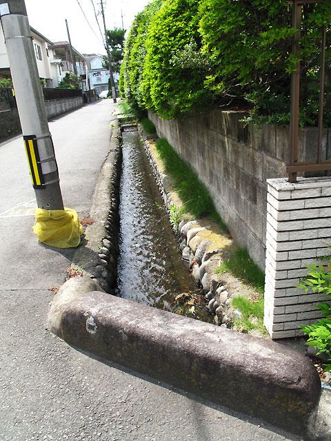 柴崎分水(立川分水)(3)奥多摩街道〜中央線付近まで_c0163001_9381079.jpg