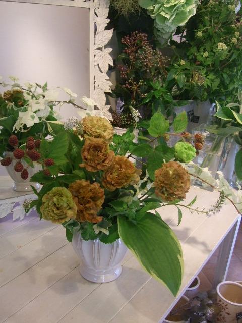 オークリーフ花の教室(石井さんの作品)_f0049672_1716133.jpg