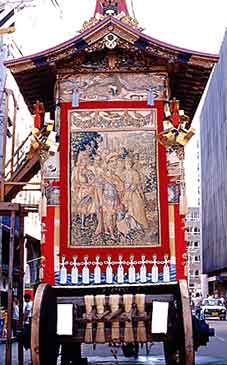 祇園祭・山鉾(やまぼこ)/ぉおっ ここにもピラミッド!_b0003330_1029527.jpg
