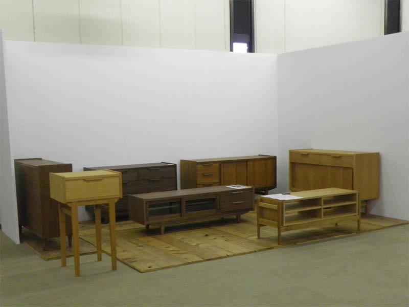 今回はこんな家具を展示しました。_d0023137_17254025.jpg