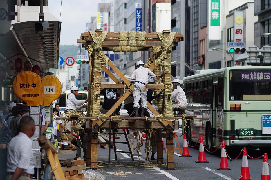 祇園祭 鉾建て..._f0152550_1241297.jpg