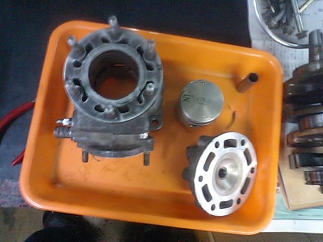 NSR250エンジンO/H編 4_e0114857_21523023.jpg