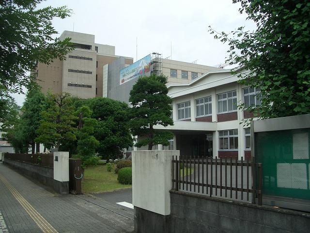 姿を現し始めた「富士法務総合庁舎」_f0141310_22405376.jpg