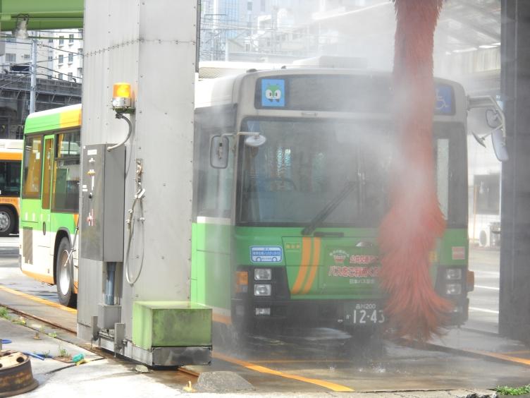 洗車中_e0004218_20152111.jpg