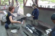 八杉千年の森イベント「本格派・炭焼き体験・窯だし 木炭アート」開催(その3)_e0061225_13374319.jpg