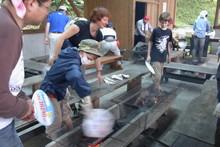 八杉千年の森イベント「本格派・炭焼き体験・窯だし 木炭アート」開催(その3)_e0061225_1338363.jpg