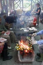 八杉千年の森イベント「本格派・炭焼き体験・窯だし 木炭アート」開催(その3)_e0061225_13441298.jpg