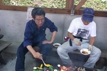 八杉千年の森イベント「本格派・炭焼き体験・窯だし 木炭アート」開催(その3)_e0061225_13462326.jpg