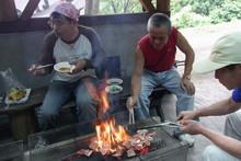 八杉千年の森イベント「本格派・炭焼き体験・窯だし 木炭アート」開催(その3)_e0061225_13465277.jpg