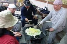 八杉千年の森イベント「本格派・炭焼き体験・窯だし 木炭アート」開催(その3)_e0061225_13572912.jpg