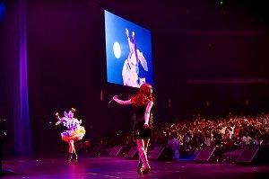 シークレットゲストとして菅野よう子も登場!『May\'n & 中島 愛  LIVE in ANIME EXPO 2010』レポート_e0025035_23222849.jpg
