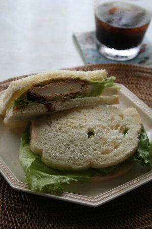 枇杷酵母で、食パン。_f0082141_1465314.jpg