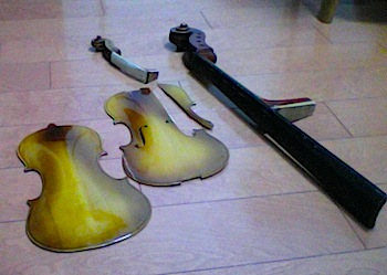 楽器の残骸_d0164691_7495972.jpg