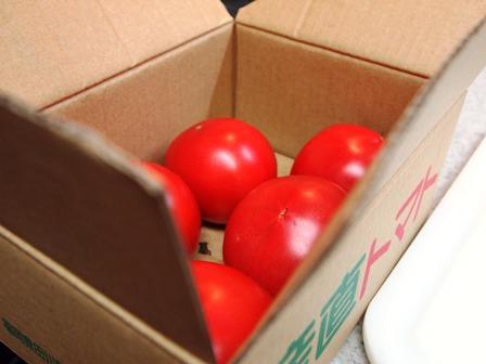 完熟トマトでジャム_e0167593_0285027.jpg