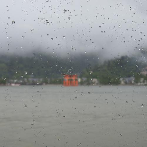 大雨の宮島 1_f0099102_22355422.jpg